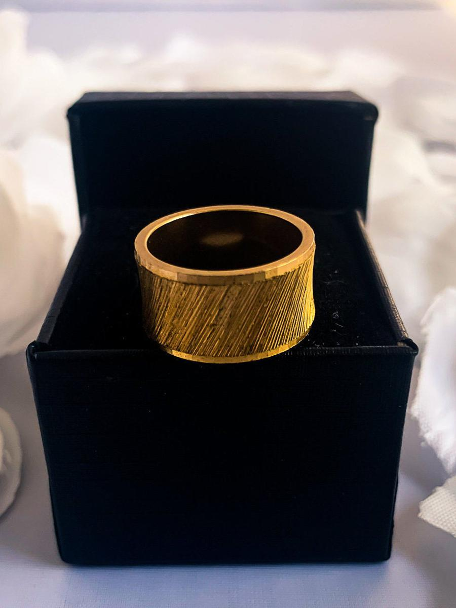 Vintage Gold Tone Textured Band, Thick Minimalist Ring, Vintage